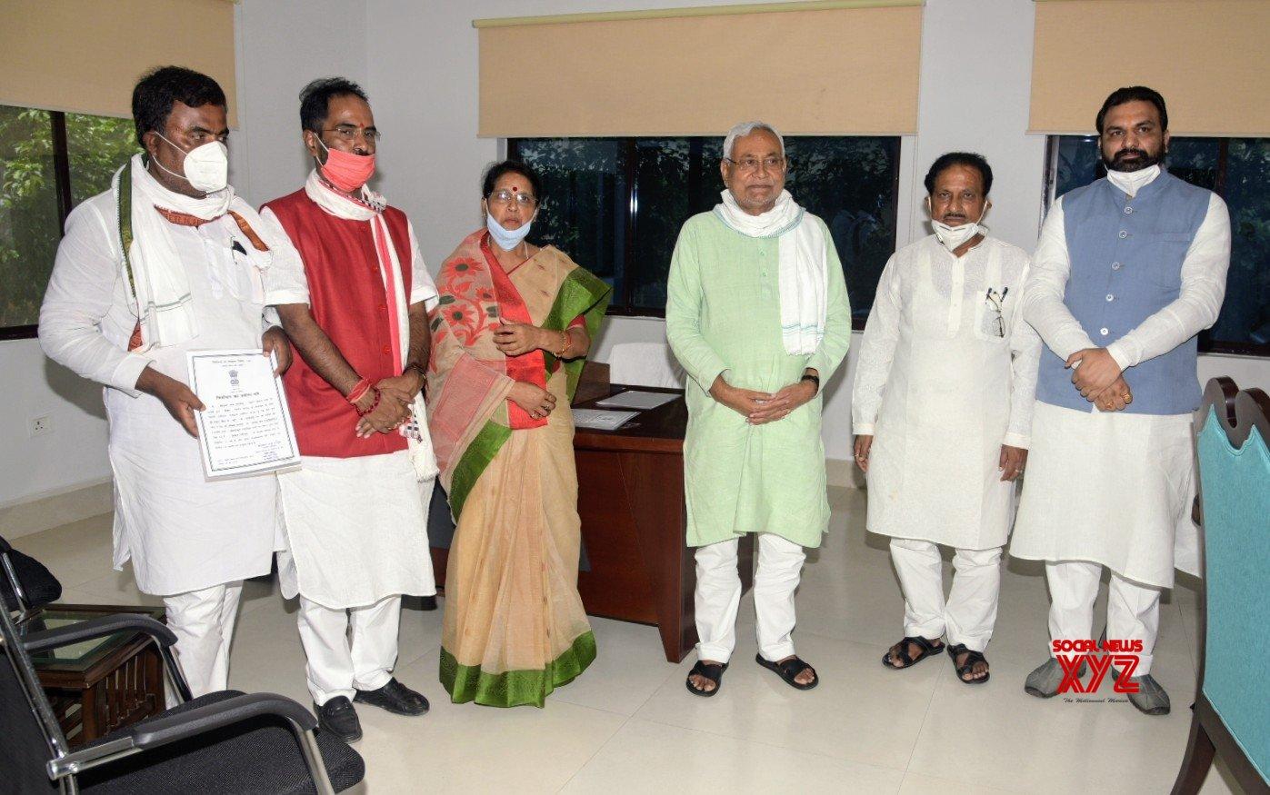 Patna: Nitish Kumar with the newly elected Bihar MLCs from NDA #Gallery