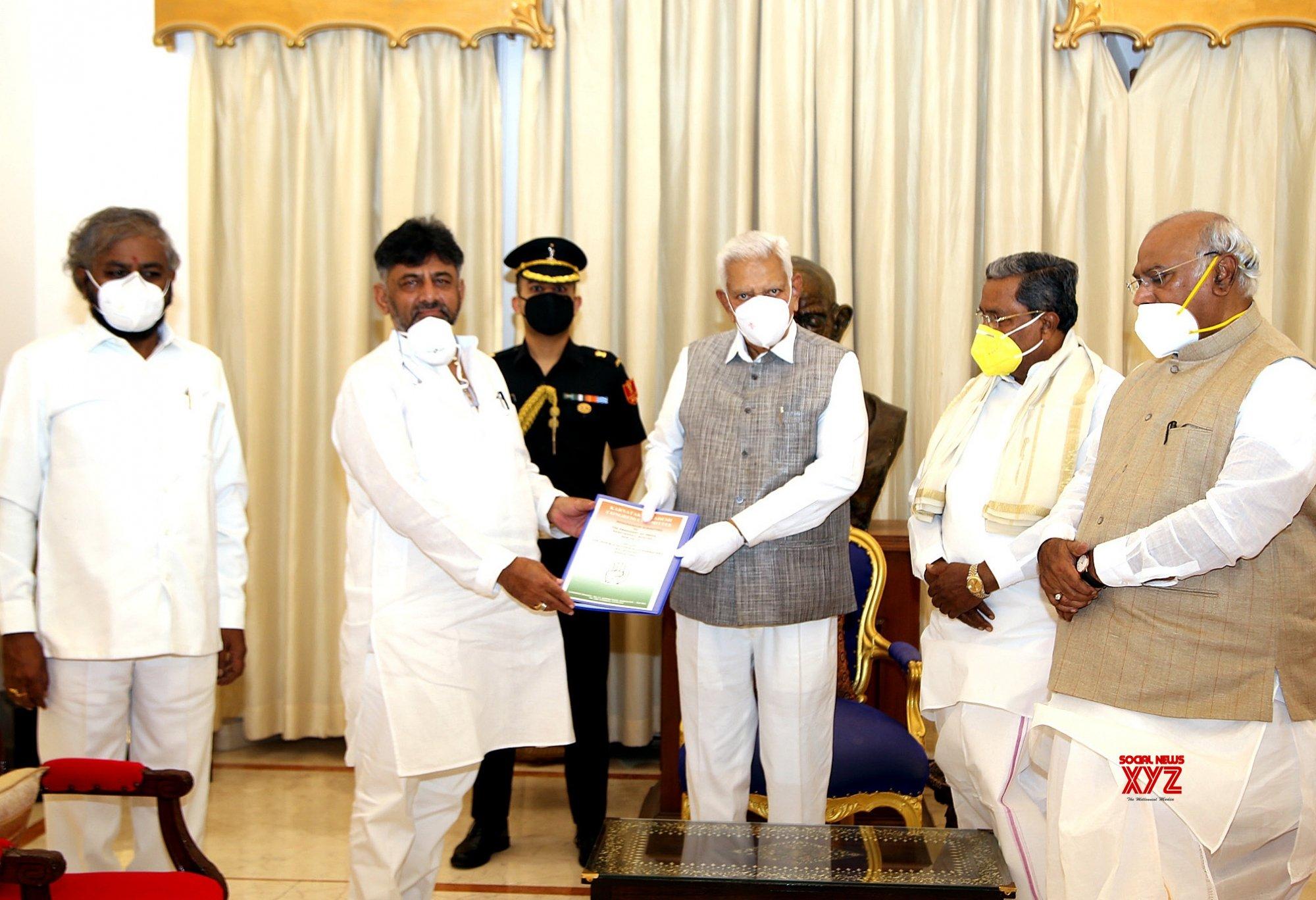 Bengaluru: Congress delegation meets Karnataka Governor, submits memorandum #Gallery
