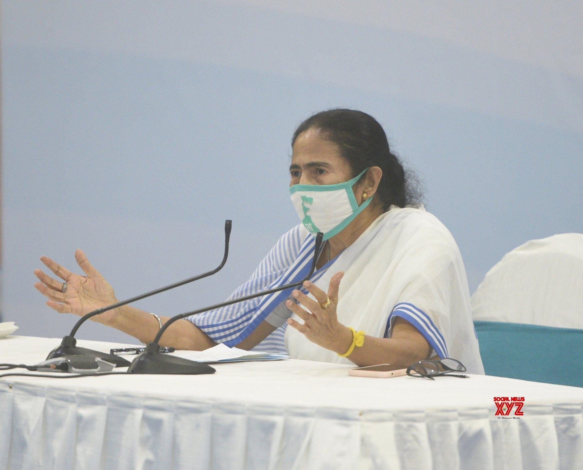 Howrah: Mamata Banerjee's press conference #Gallery
