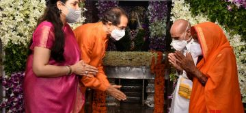 Solapur: Maharashtra Chief Minister Uddhav Thackeray and his wife Rashmi Thackeray offer prayers to Lord Vitthala on the occasion of Ashadhi Ekadashi, at Pandharpur in Solapur district of Maharashtra, on July 1, 2020. Ashadhi Ekadashi, also known as Devshayani, Shayani or Maha Ekadashi, falls in the month of Ashadha Shukla Paksha (waxing phase of the Moon). (Photo:IANS)