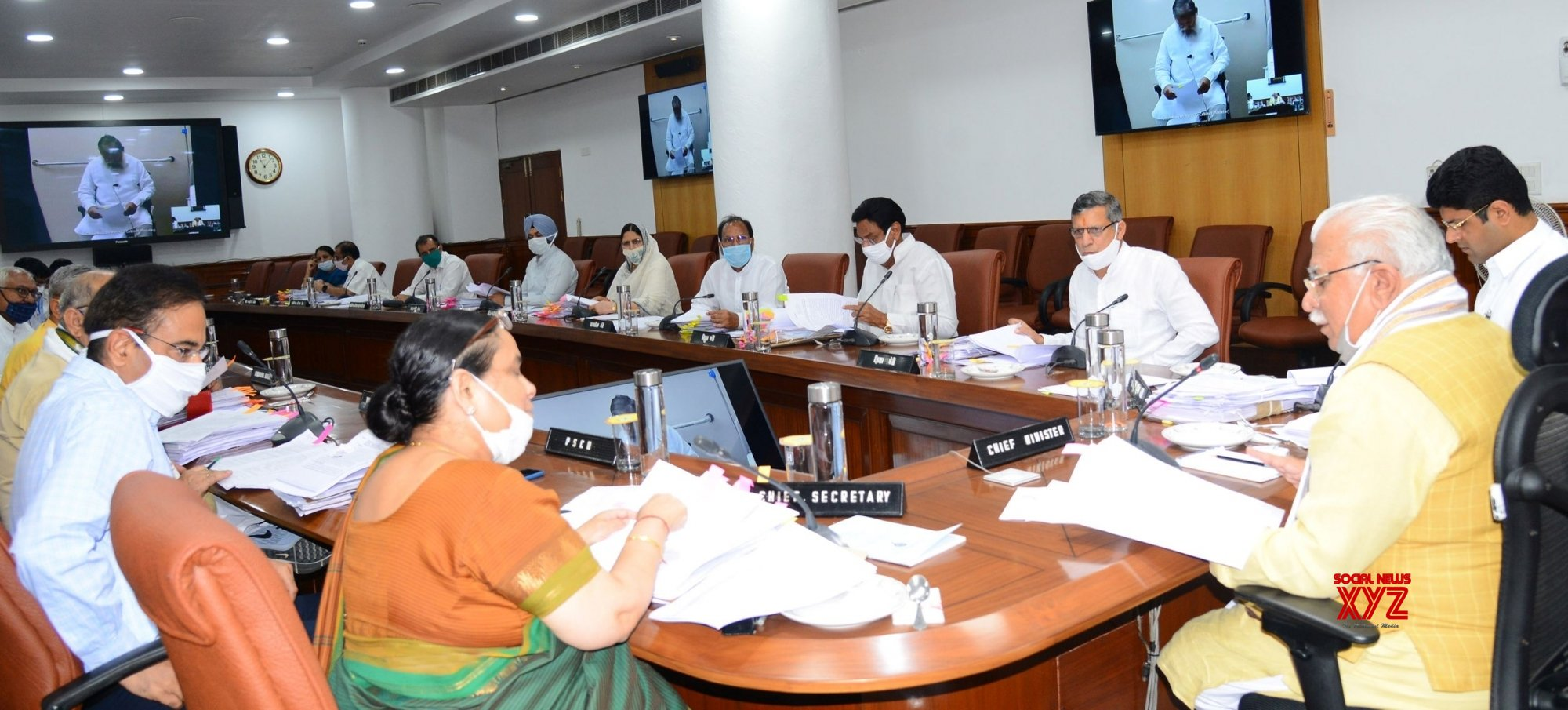 Chandigarh: Manohar Lal Khattar chairs Cabinet Meeting #Gallery
