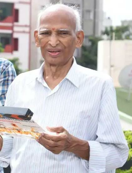Star director, Sekhar Kammula's father, 89 passes away due to illness