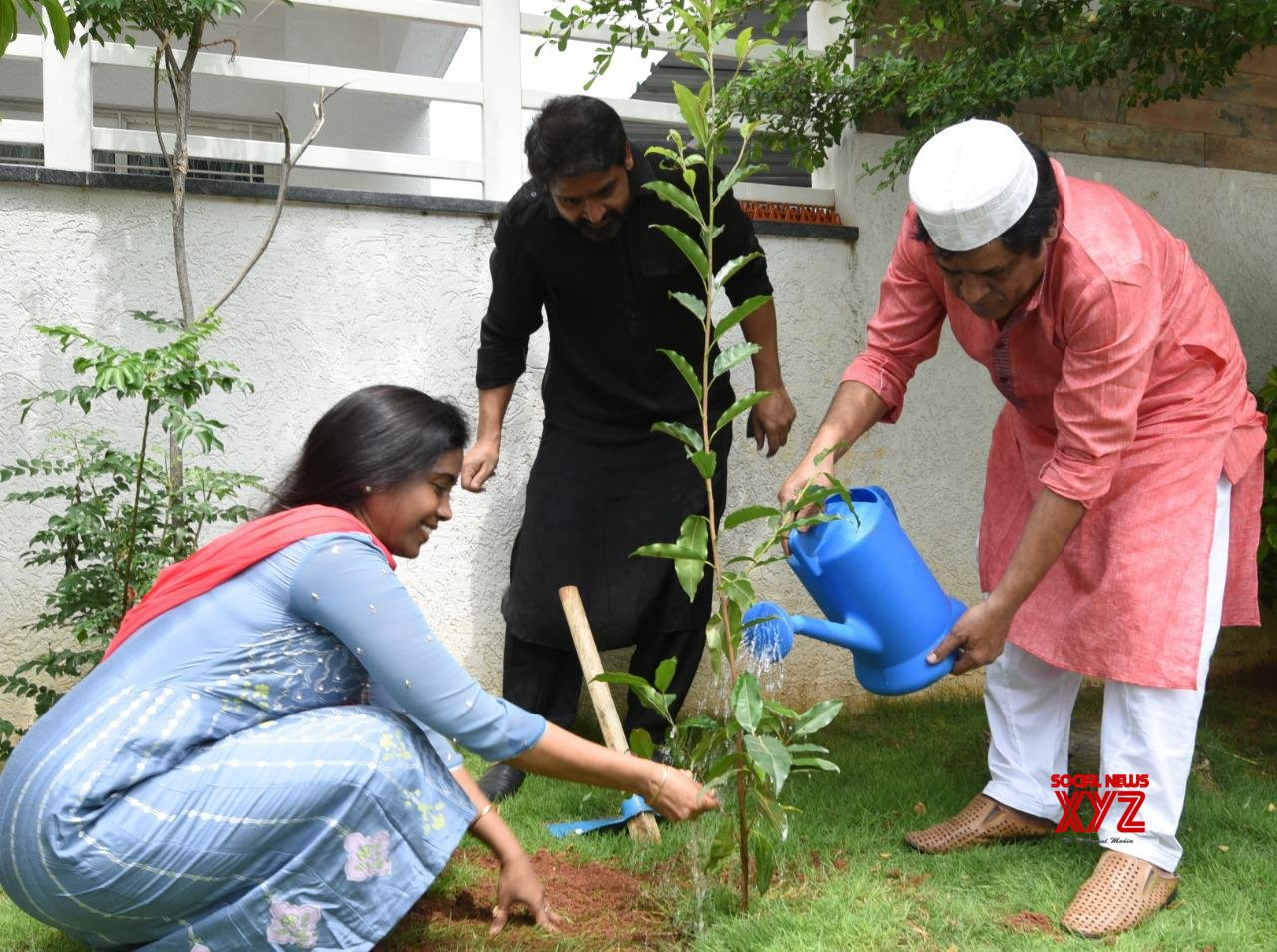 Alia Takes Up Green India Challenge Given By Siva Reddy And Planted Saplings At His Home In Manikonda