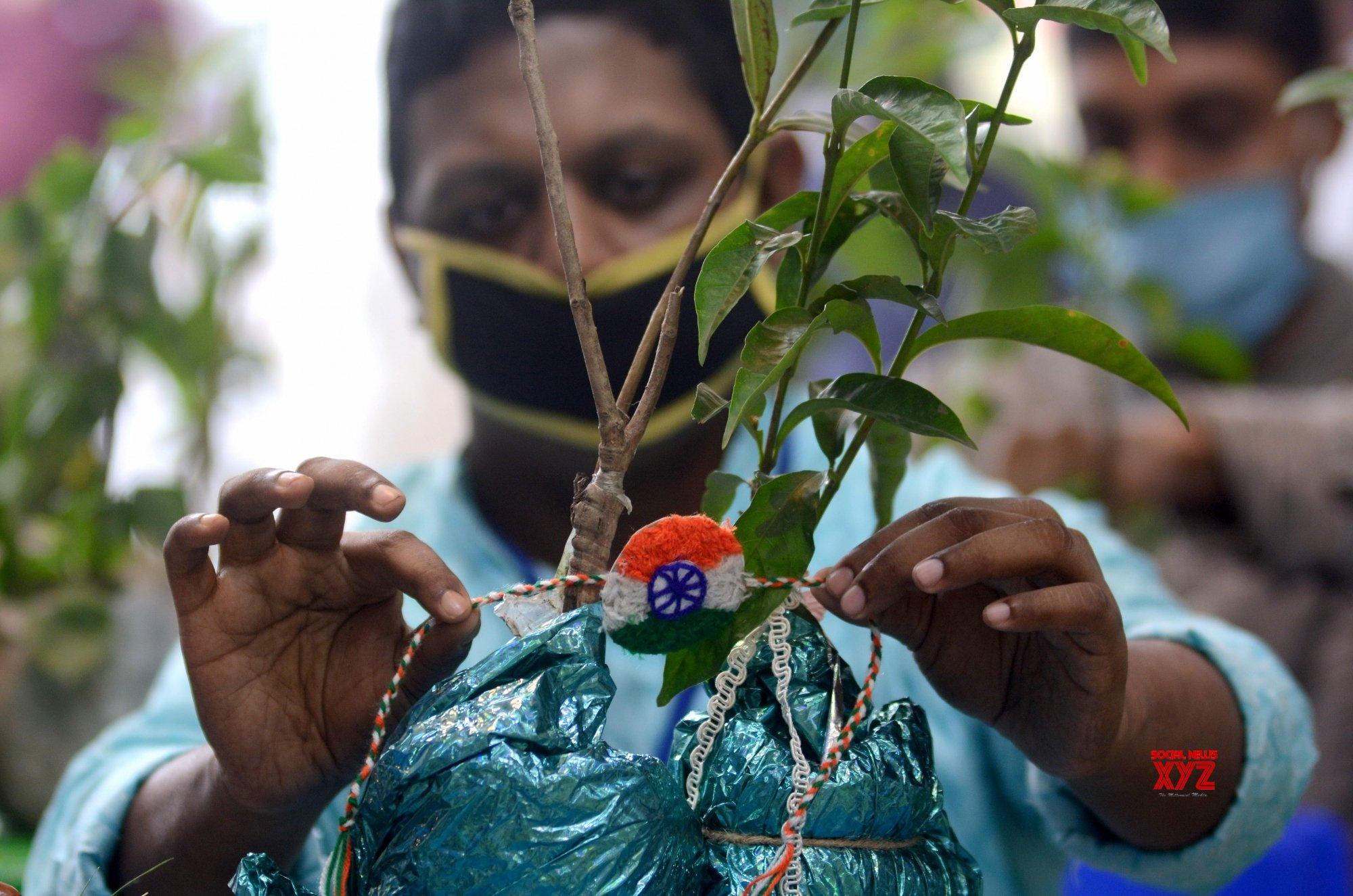 Kolkata: Raksha Bandhan celebrations #Gallery