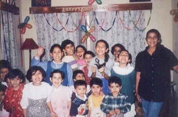 Anushka Sharma wishes 'Frienship Day' to old buddies
