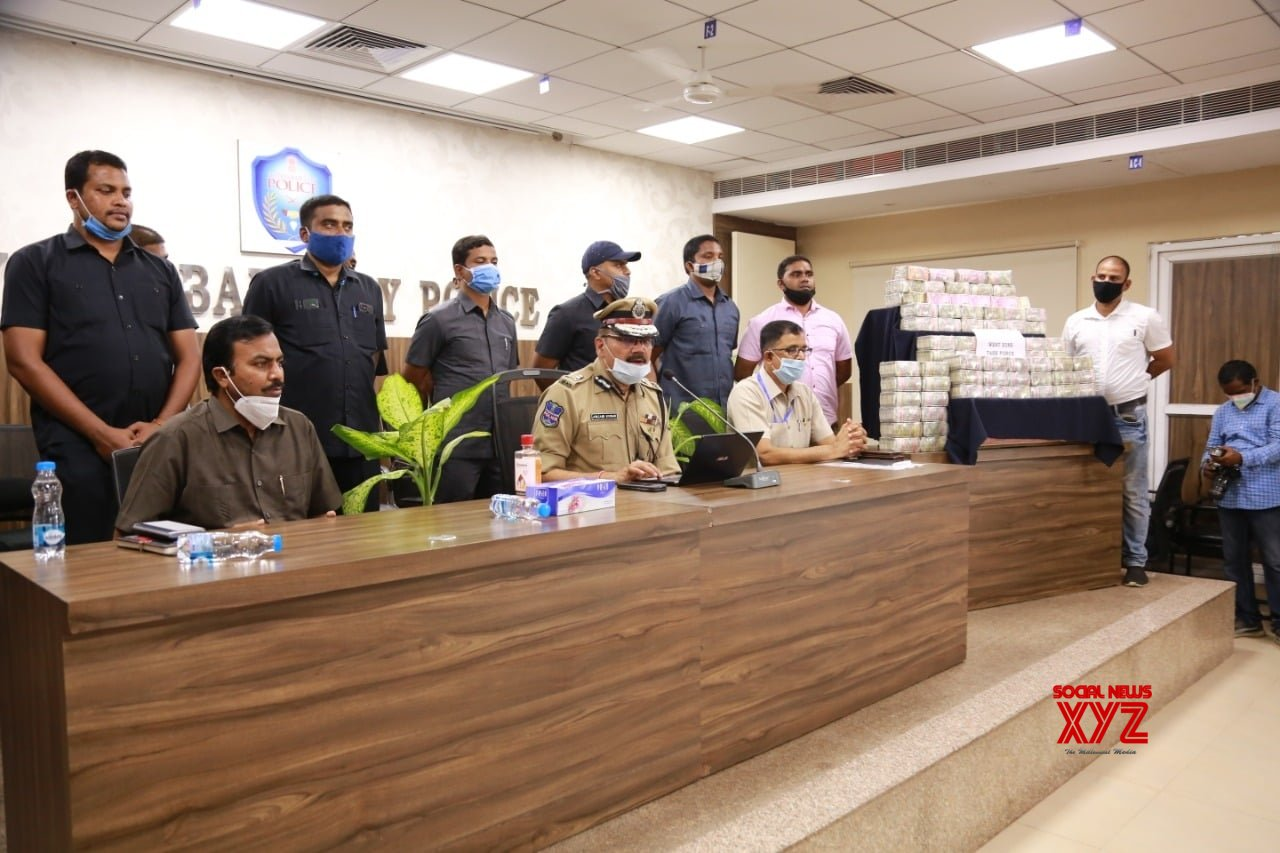 'Hawala' racket busted in Hyderabad, Rs 3.75 cr cash seized