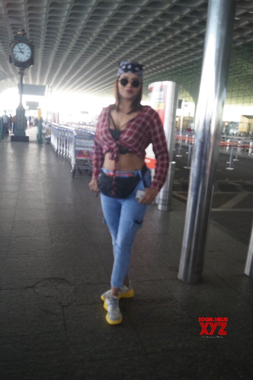 International Model And Actress Jinnie Jaaz Spotted International Airport - Gallery