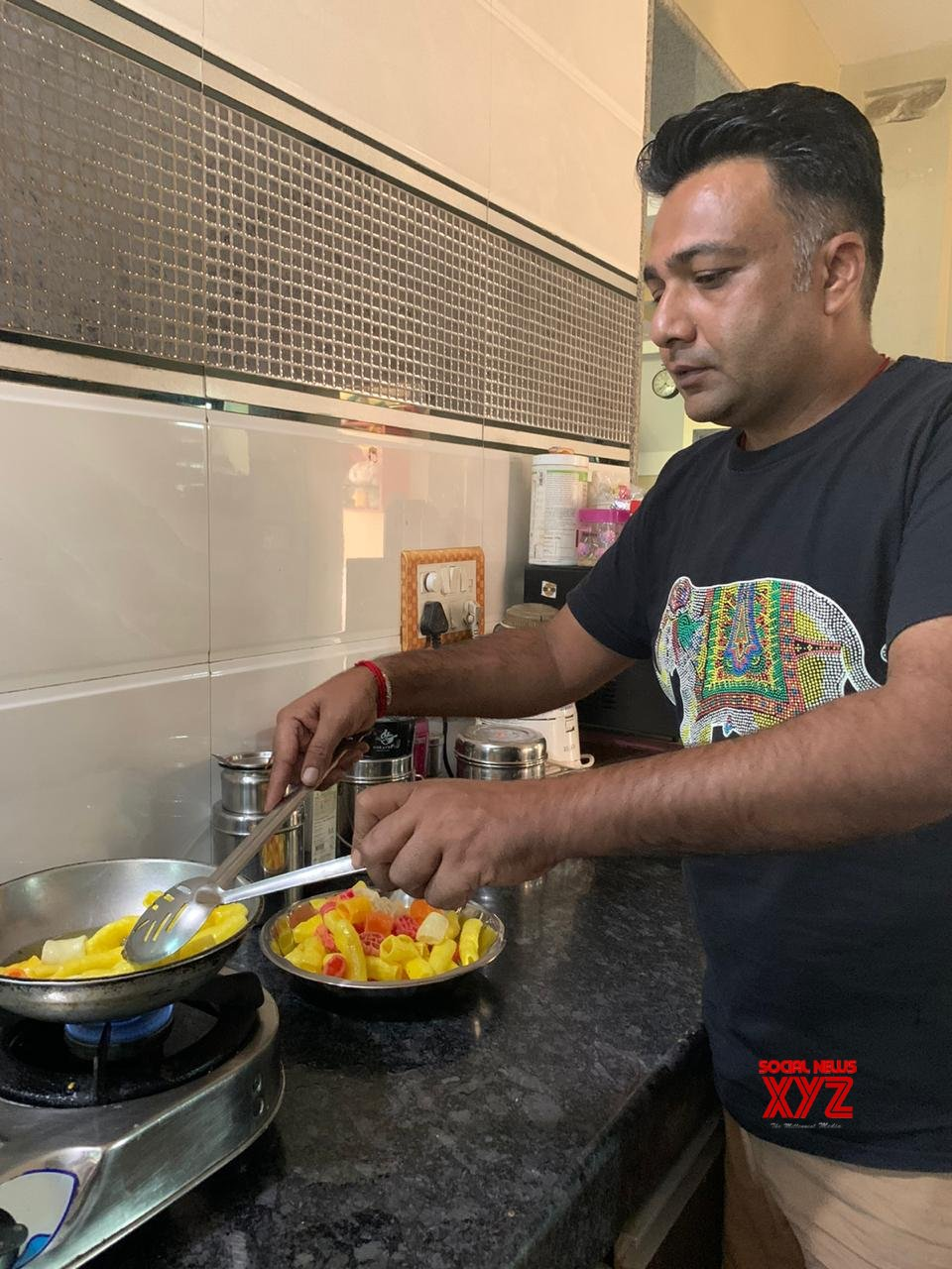Actor Hemant Kher who has recently amazed the audience with his performance in Scam 1992, shares about his love for cooking food, diet, fitness and many more things....