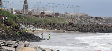 Chennai: A Tamil Nadu Fire and Rescue Services (TNFRS) rescue team retrieved the bodies of four children who drowned in sea on Sunday evening when they were playing near the Kasimedu Fishing Harbour; in Chennai on Nov 16, 2020. (Photo: IANS)