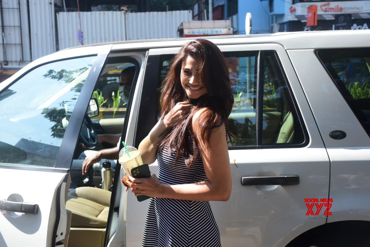 Actress Daisy Shah Spotted At Bandra - Gallery