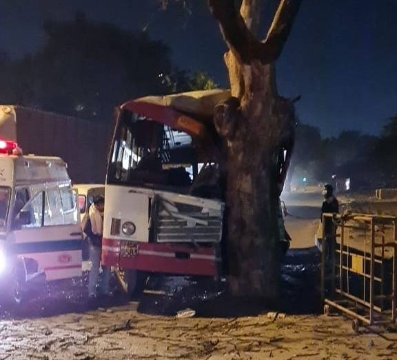 New Delhi: UP roadways bus collided with a tree in New Friends Colony, 20 injured. #Gallery