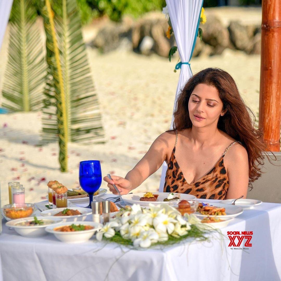 Actress Vedhika Latest Hot Glamour Stills