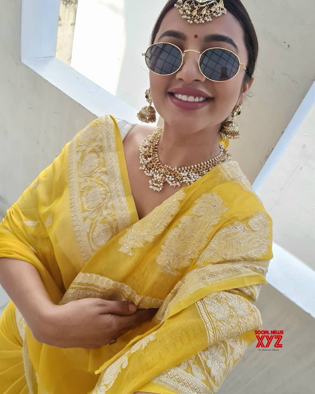 Actress Tejaswi Madivada Latest Hot Glamour Stills