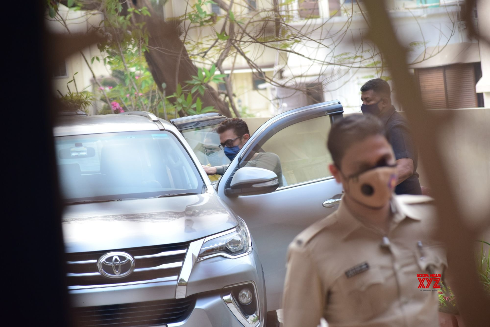 Aamir Khan And Daughter Ira Khan Snapped In Bandra - Gallery