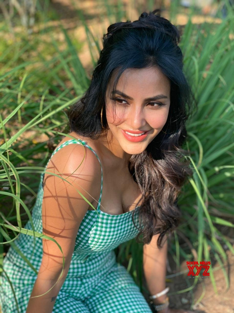 Actress Priya Anand Charming Stills From Shooting Spot