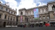 Arts centers reopen in London, as lockdown eases (Video)