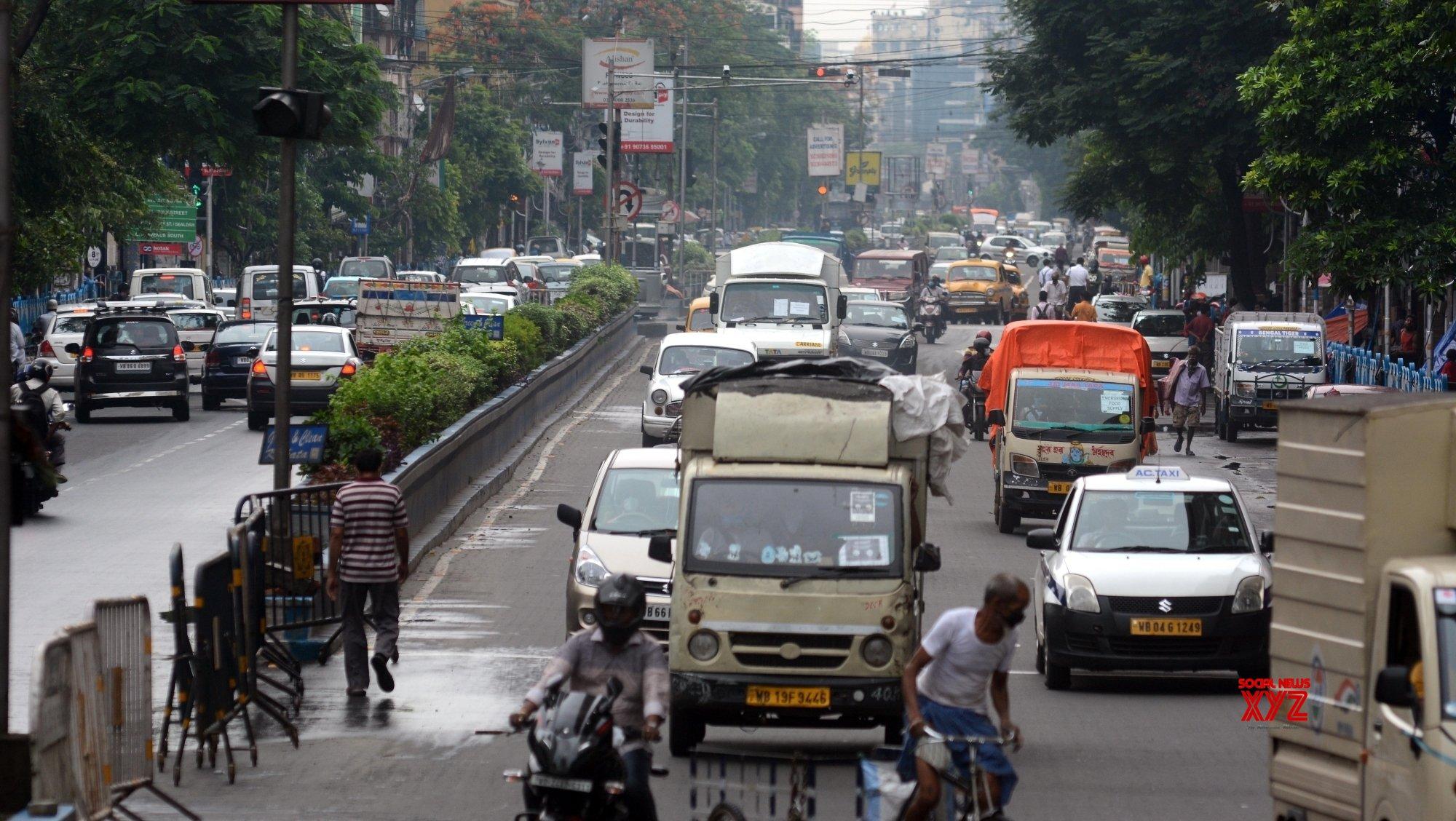 Kolkata: Ignoring the lockdown, lots of vehicles are running on roads during lockdown on Coronavirus pandemic - in Kolkata. #Gallery