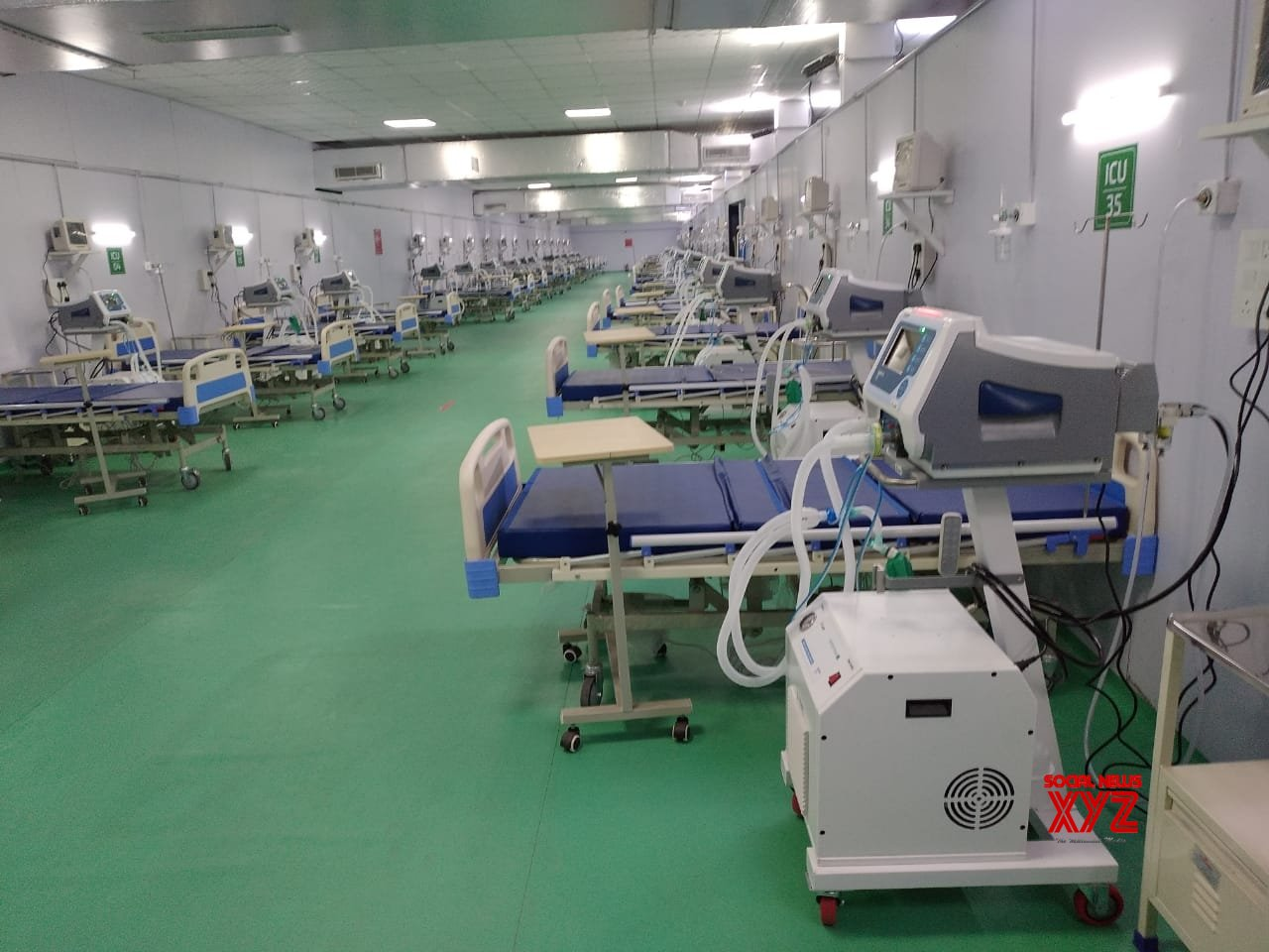 J&K: The Lieutenant Governor of Jammu and Kashmir, Manoj Sinha, on Wednesday inaugurated a 500 - bed Covid hospital set up by the Defence Research and Development Organisation in Srinagar. #Gallery