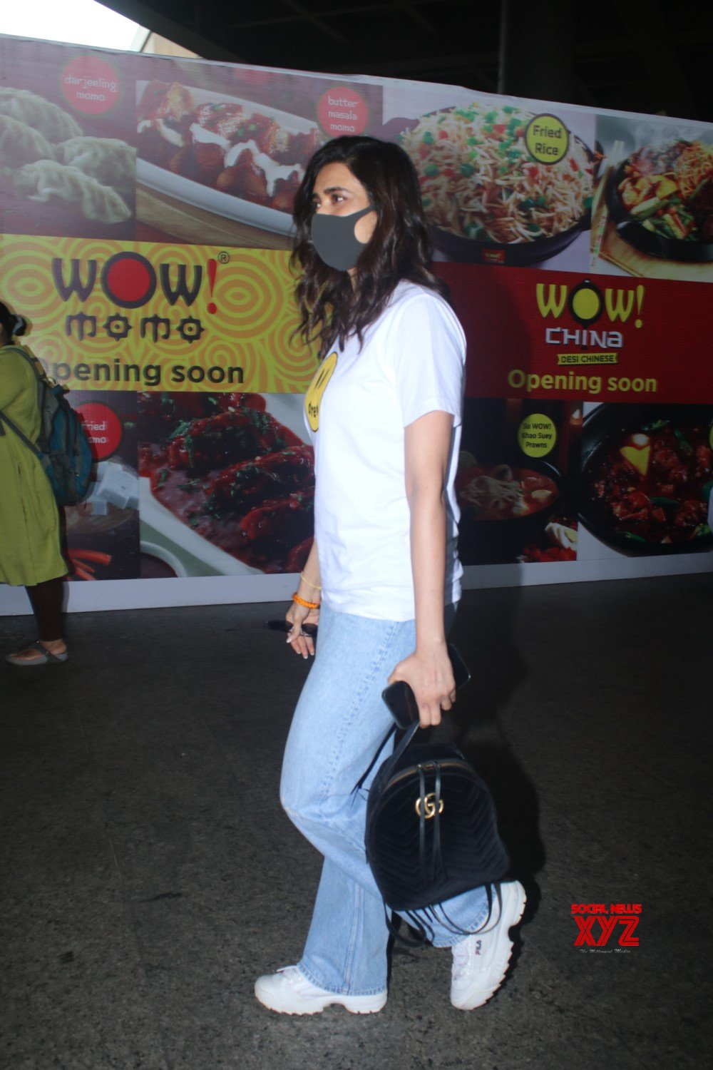 Actress Karishma Tanna Spotted At Airport Arrival - Gallery