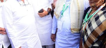 Bengaluru: Congress Karnataka In-charge Randeep Surjewala along with Former CM Siddaramaiah and other senior Congress leaders during the meeting of Karnataka Pradesh Congress Committee in Mysore on Saturday, July 31, 2021. (Photo: IANS)