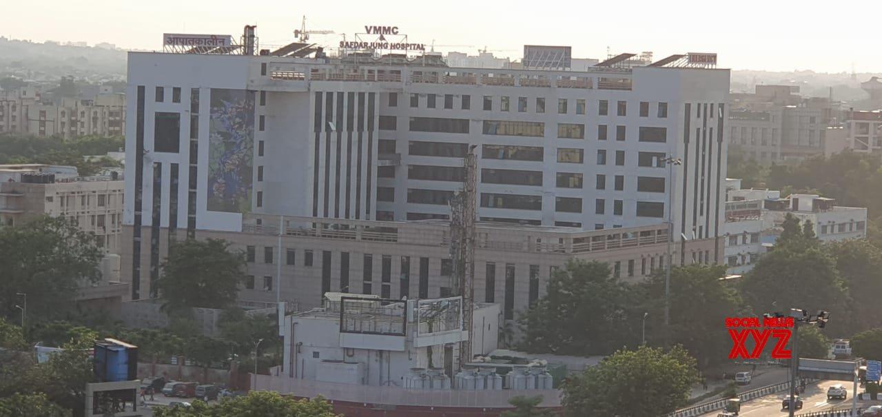New Delhi: Safdarjung Hospital - Building in New Delhi. #Gallery