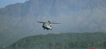 Srinagar: After 14 years, the Indian Air Force carried out rehearsal exercise by fighter aircraft Chinook helicopters at Dal Lake in Srinagar on Sunday, September 26, 2021. (Photo: Nisar Malik /IANS)