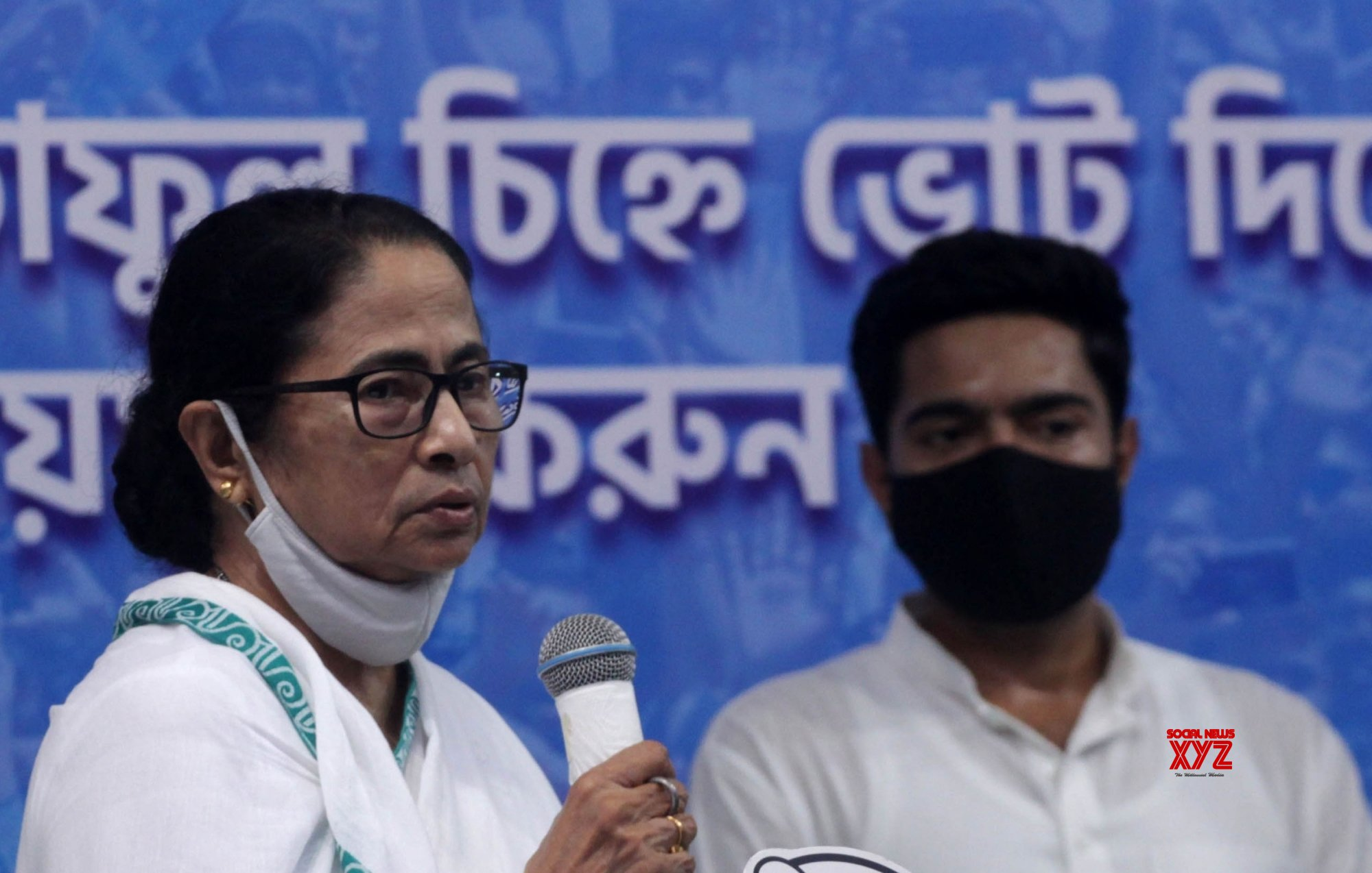 Kolkata: West Bengal Chief Minister and TMC candidate of Bhawanipur constituency by - poll Mamata Banerjee during election campaign in Kolkata. #Gallery