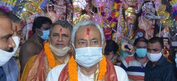 Patna: Bihar CM Nitish Kumar offers prayers to Goddess Durga on the occasion of Maha Asthami at Marufgunj Puja Pandal in Patha on Wednesday October 13,2021. (Photo: AFTAB ALAM SIDDIQUI/IANS)