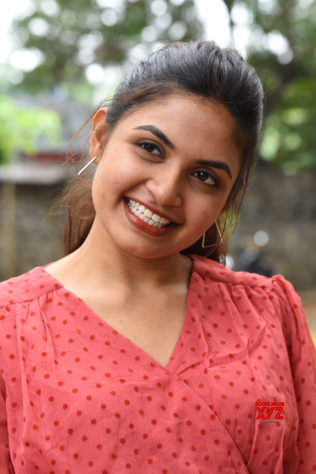Actress Sravani Setty Glam Stills From Tamasoma Jyotirgamaya Movie Trailer Launch Press Meet