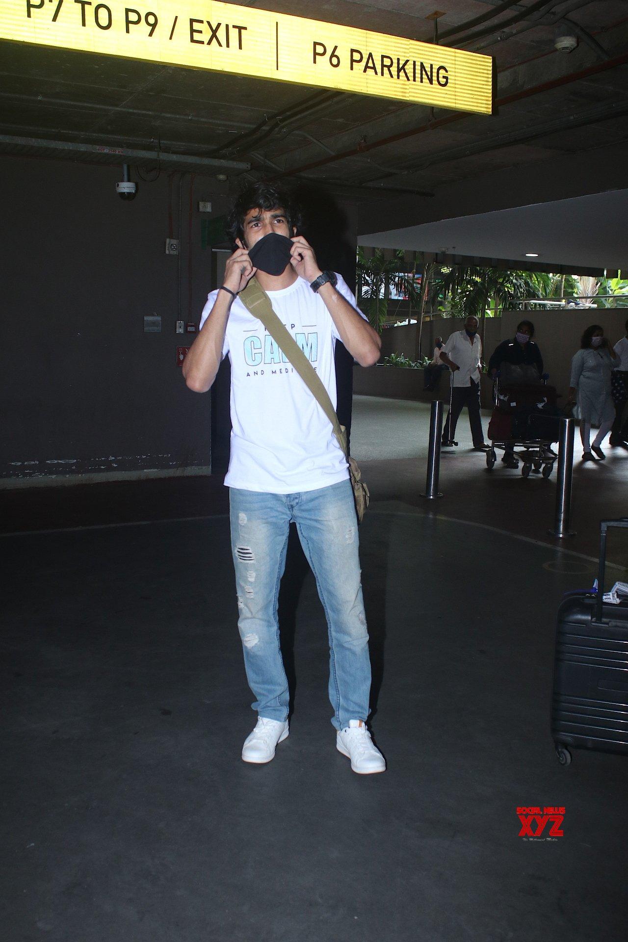 Ashnoor Kaur And Shantanu Maheshwari Spotted At Airport Arrival - Gallery