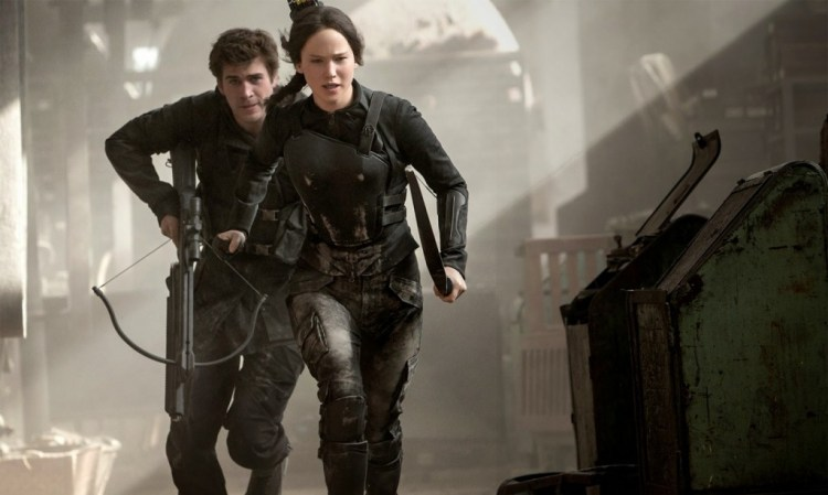 15062502707_9803e33efb_o-the-hunger-games-mockingjay-part-1-review-round-up-the-franchise-is-still-on-fire