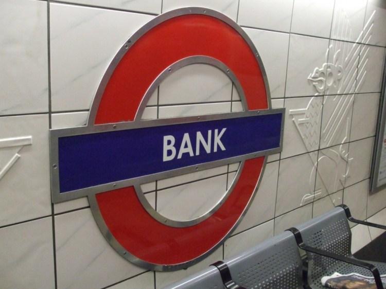 Bank_station_Central_roundel