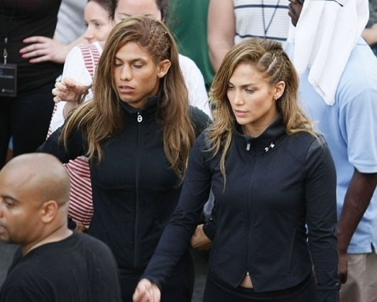 02 - Jennifer Lopez The body double is a man