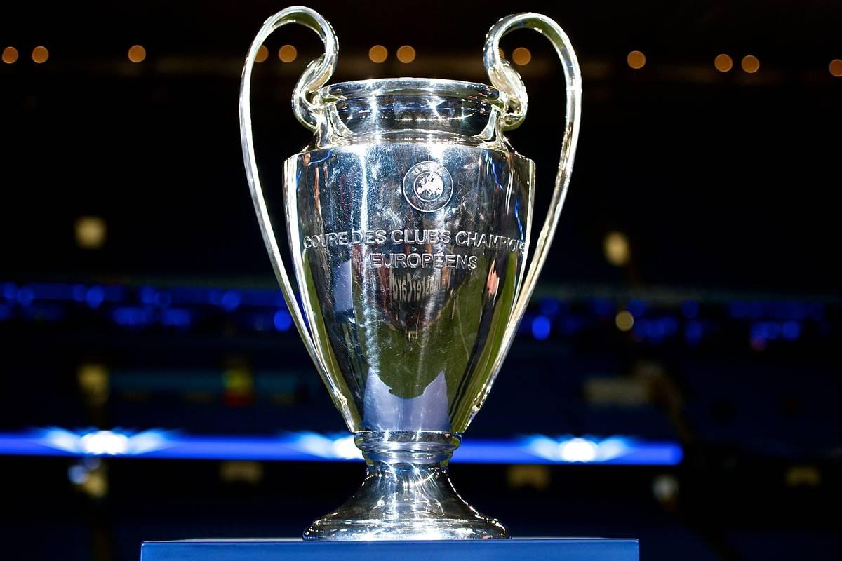 cambia il format della Champions League