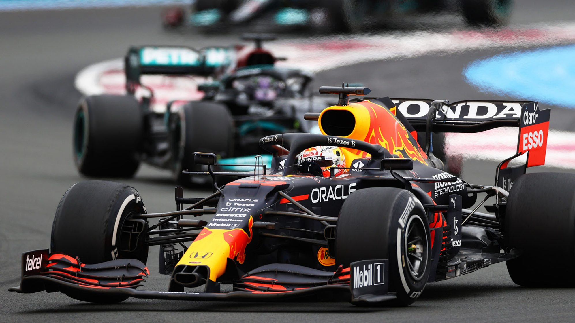 GP Francia: Verstappen beffa Hamilton al fotofinish e allunga in testa al mondiale
