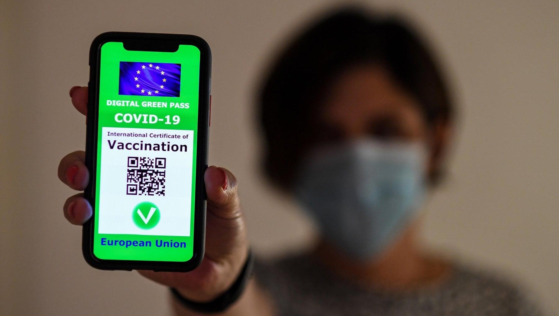 Green Pass, in Italia l'obbligo per i lavoratori dal 15 ottobre