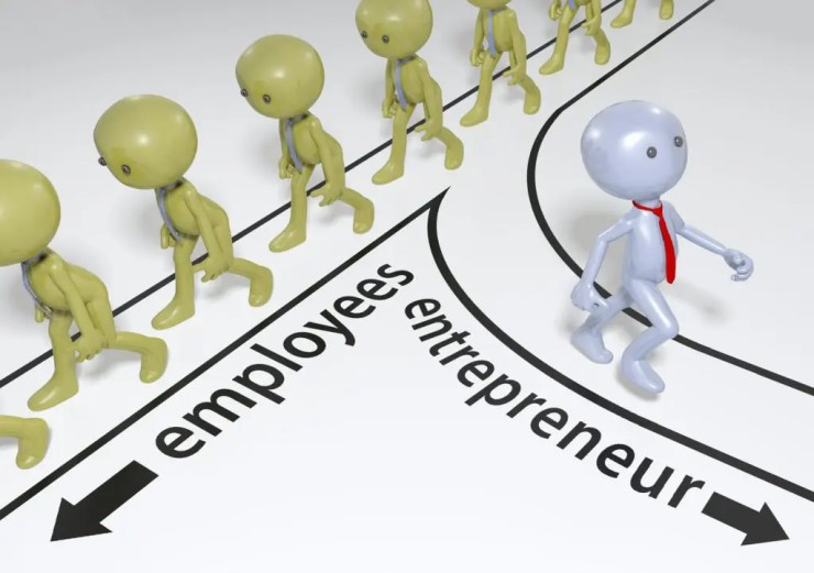 Entrepreneur decision to choose path to start up business success
