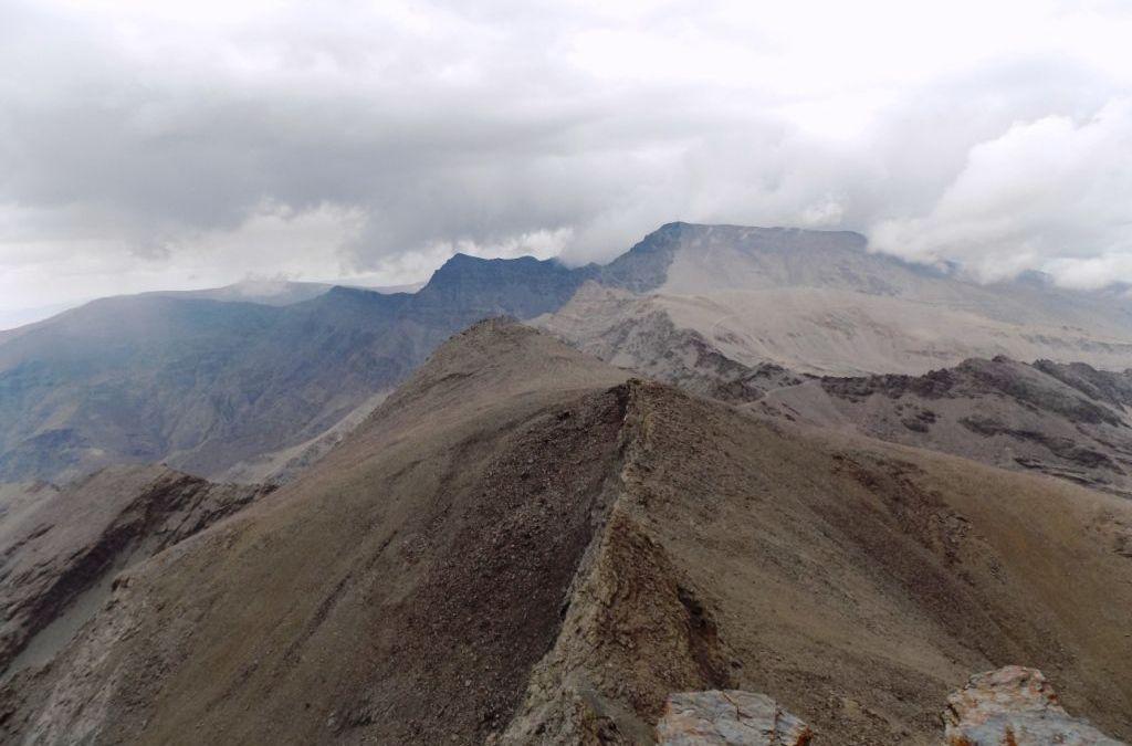 Sábado 24 de agosto: Arista Cerro de los Machos-Pico Salón-Fidel Fierro-Tajos de la Virgen. Sierra Nevada
