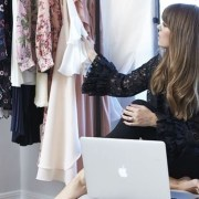 Australia's fashion scene is on the rise, so it's no surprise that these Australian fashion boutiques have made their names known. If you're looking for some stores to get dresses, tops, pants, or anything clothing related, then these are the best places to pick out cute stuff - both in store and online!