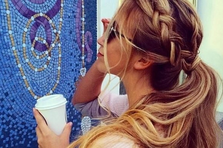 These cute and easy hairstyles are perfect for all kinds of hair types and lengths! And they will go great with all of your summer dresses and outfits!