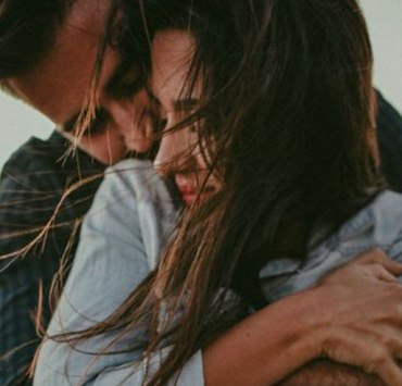 Do you have a bf or gf that you are unsure you love back? Here's what to do if they confessed their love for you but you're not sure if you feel the same.