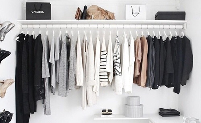 Keeping up with all the fashion trends can be tough. However, these are some of the best clothing websites that ship to canadians, americans, and all over!