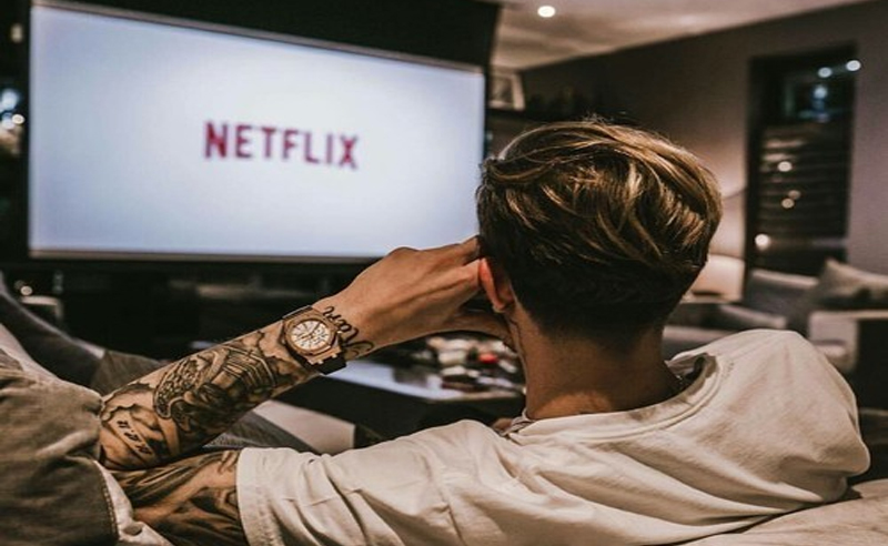 The best Netflix comedy shows are ones you don't want to miss. Find out why these are the 10 best Netflix comedy shows. They are the funniest comedy shows on Netflix: Girl, Friends and some other popular Netflix shows.