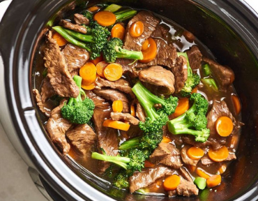 Crockpot recipes are perfect for any student who doesn't have the time to cook! Here are some of the recipes you need to try now!