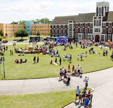 You know what they say...a GIF paints a thousand words, so here are 10 that accurately describe what it's like to be a student at Loughborough University.
