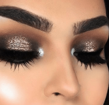 Interested in makeup, but don't know where to start? These eye makeup tips and tricks will help you to master makeup application in no time!