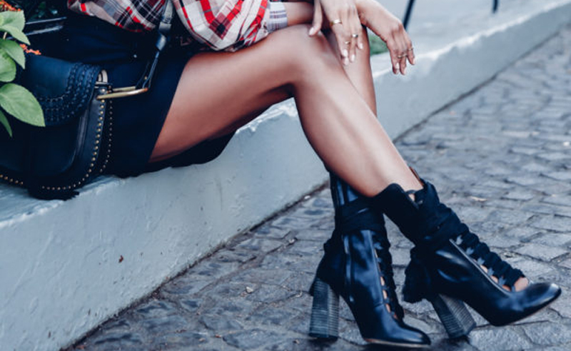 Whether you're searching for nude, black, red, lace up, silver or white high heels, these websites and brands have cheap, trendy and cute heels to buy!