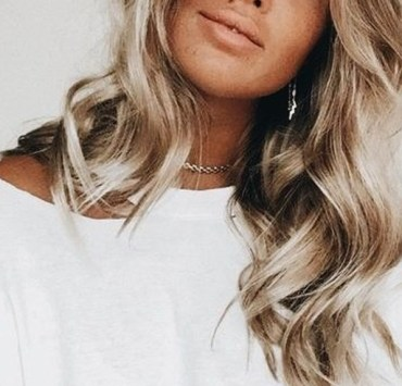 If your hair is too dry this winter, or even in general, then these are the best hair masks for dry damaged hair! These hydrating masks will make your hair silky smooth, and repair your dryness!