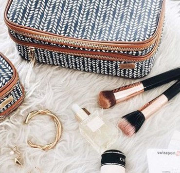 If you're a beauty lover and your current bag isn't cutting it then these cute makeup bags definitely will. The best part is that they're cheap, and great for travel!