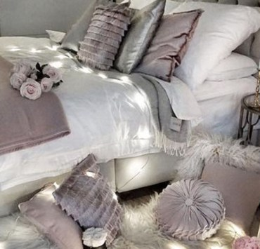 If you need inexpensive items for your new flat or home then get these Primark home accessories. From Primark home beddings to candles, you'll find all of your Primark home decor item needs.